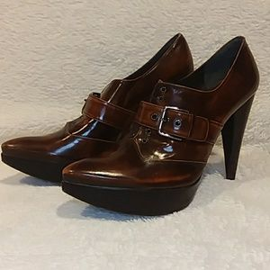 Stuart Weitzman oxford heels Brown pointed toe 9